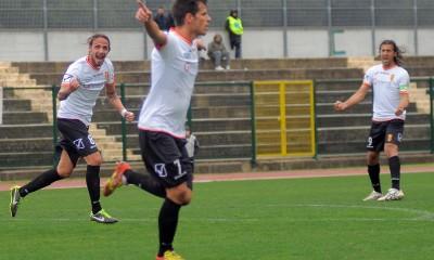 Pedro Costa Ferreira esulta con la maglia del Messina