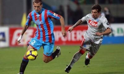 Alessandro Potenza in azione contro il Napoli, ai tempi di Catania