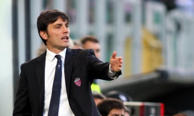 Italian head coach Vincenzo Montella of Catania Calcio during Italian Serie A soccer match against US Palermo at 'Renzo Barbera' Stadium in Palermo, on 28 april 2012.  ANSA/CORRADO LANNINO
