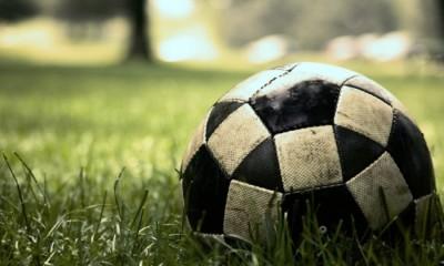 dirty soccer pallone